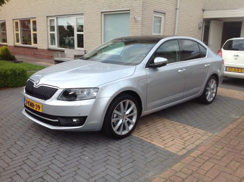 skoda octavia 1 6 tdi 105pk greentech elegance businessl 2013 gebruikerservaring autoreviews. Black Bedroom Furniture Sets. Home Design Ideas
