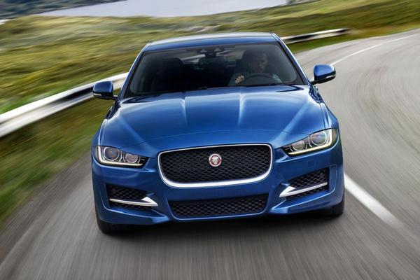 Nieuwe motor voor Jaguar XE, XF en F-Pace