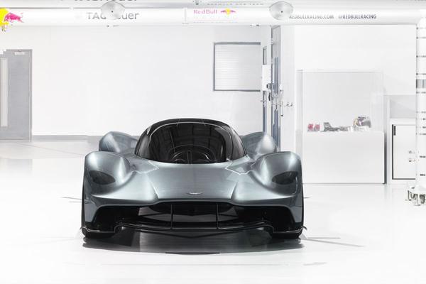 Aston overweegt sportauto met middenmotor