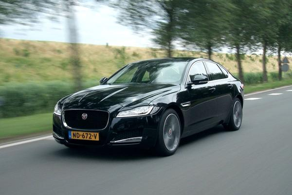 Video: Jaguar XF 25t - Rij-impressie