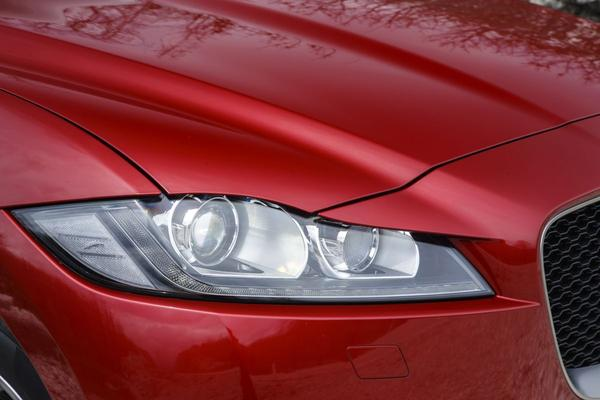 Jaguar zoekt samenwerking voor accufabriek