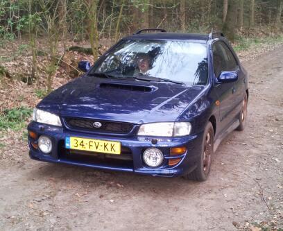 Subaru impreza plus 2 0 gt turbo awd 2000 for Interieur subaru gt 2000