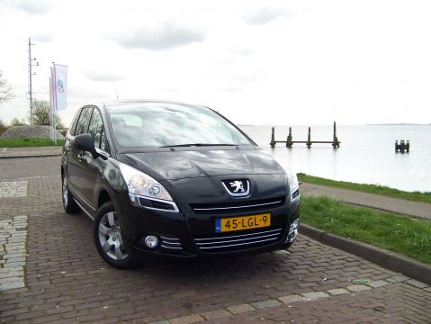 peugeot 5008 blue lease 1 6 vti 2010 gebruikerservaring autoreviews. Black Bedroom Furniture Sets. Home Design Ideas