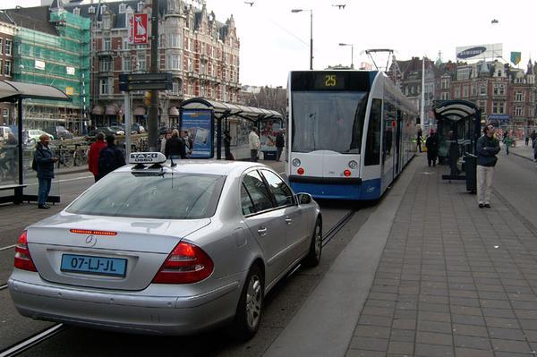 Amsterdamse taxi's vanaf 2018 minimaal Euro 5