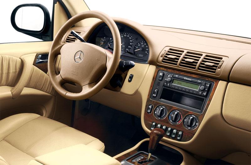 mercedes benz ml 230 specificaties auto vergelijken. Black Bedroom Furniture Sets. Home Design Ideas