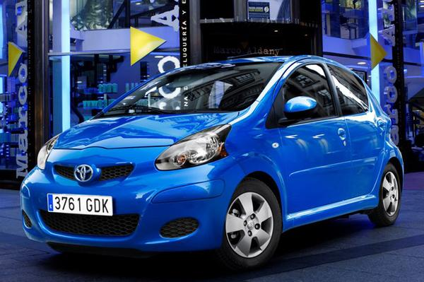 Toyota Aygo 1.0 12v VVT-i Dynamic Blue