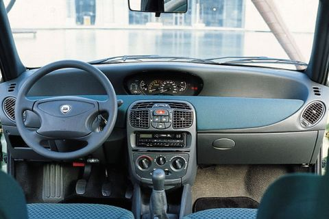 Lancia Ypsilon 1.2 LS