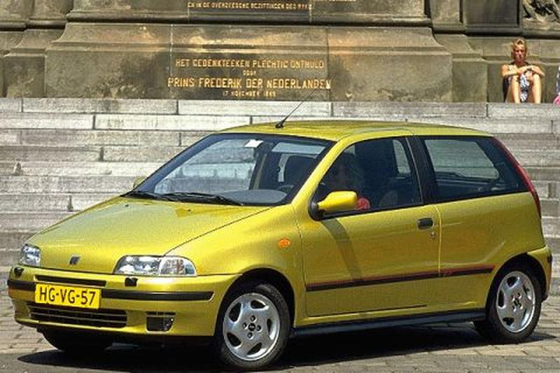 fiat punto gt turbo 1994 autotests. Black Bedroom Furniture Sets. Home Design Ideas