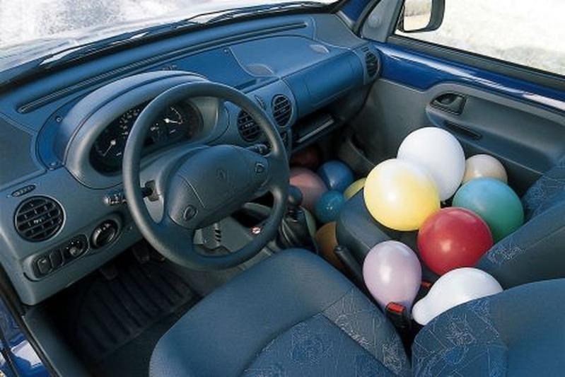 Renault kangoo rte 1 4 2000 autotests for Interieur kangoo 2000