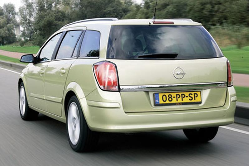 opel astra stationwagon 1 7 cdti cosmo 2005 autotests. Black Bedroom Furniture Sets. Home Design Ideas