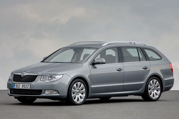 Skoda Superb Combi 1.6 TDI Greenline Comfort Bus.