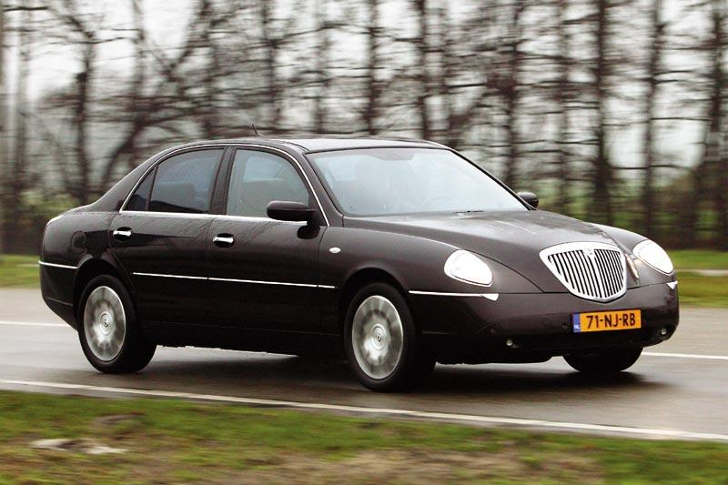 lancia thesis 3 2 v6 24v emblema 2005 autotests. Black Bedroom Furniture Sets. Home Design Ideas