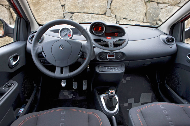 renault twingo rs 2008 autotests. Black Bedroom Furniture Sets. Home Design Ideas