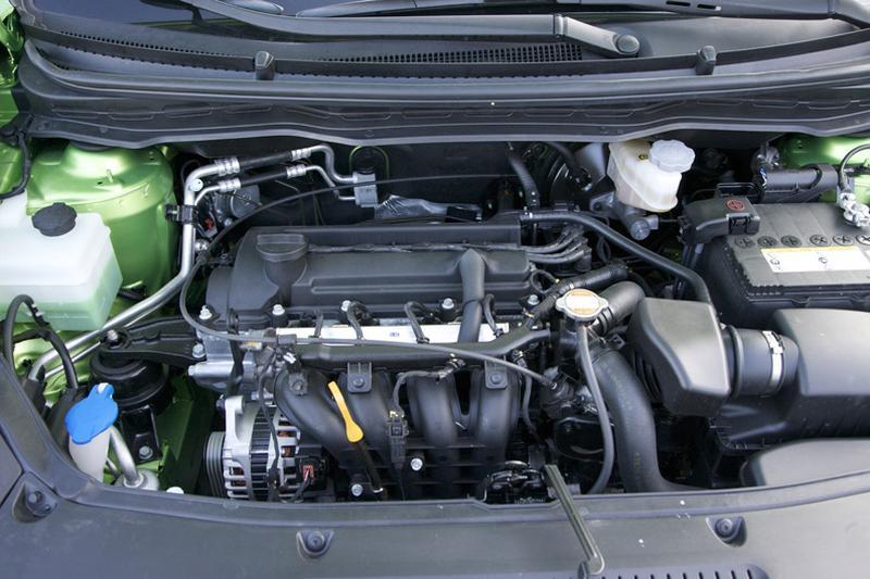 Autotest Hyundai i20 1.2i - AutoWeek.nl