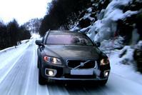 Volvo XC70 in de sneeuw