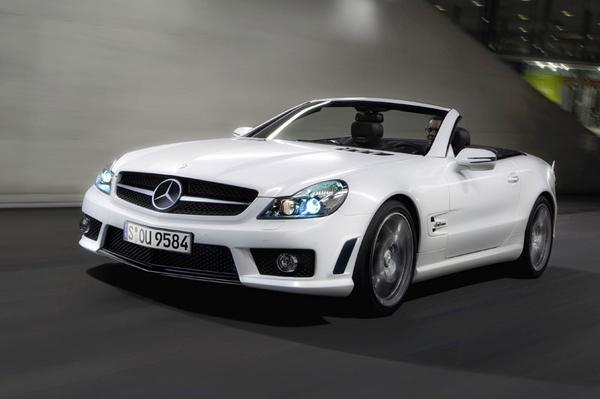 De gefacelifte Mercedes SL mag niet in de schaduw