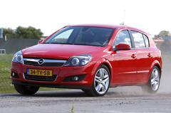 Opel Astra 1.6 Turbo Cosmo