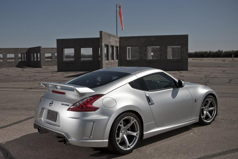 nismo geeft nissan 370z extra peper autonieuws. Black Bedroom Furniture Sets. Home Design Ideas
