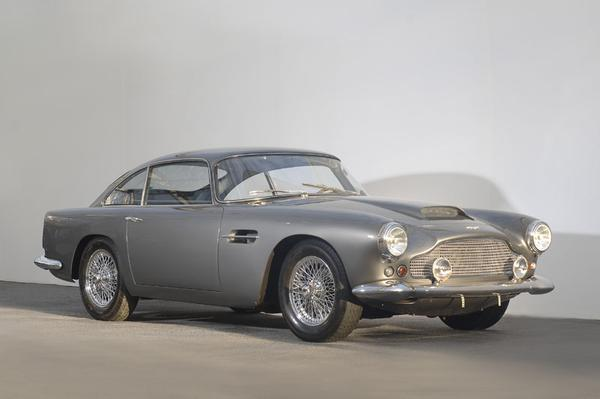 Aston Martin DB4