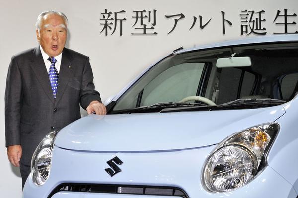 Suzuki maakt presidentsstoel vrij voor zoon