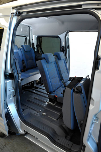 ford tourneo connect lwb 1 8 tdci 90pk trend specificaties. Black Bedroom Furniture Sets. Home Design Ideas