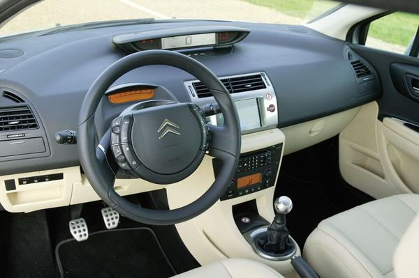 autotest citroen c4 coup 2 0 16v 180pk vts. Black Bedroom Furniture Sets. Home Design Ideas