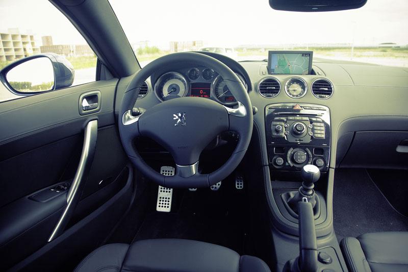 Peugeot rcz 1 6 thp 2010 autotests for Interieur rcz