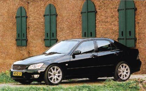Lexus IS200 nu ook m�t