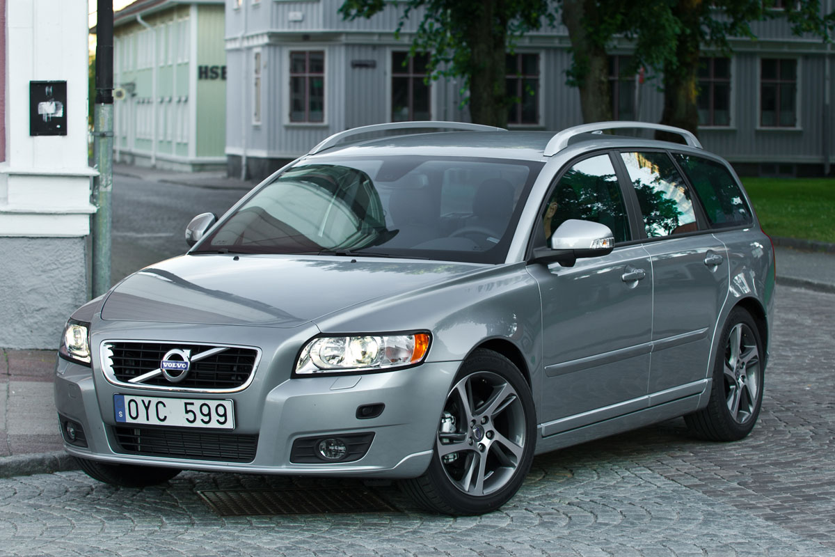 2003 volvo v50 t5 related infomation specifications. Black Bedroom Furniture Sets. Home Design Ideas