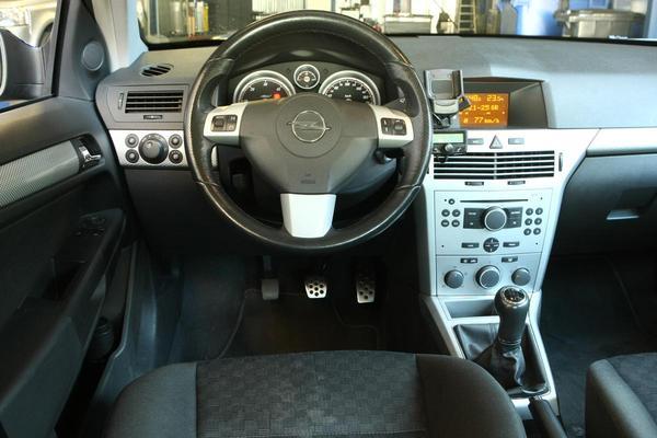 Klokje rond Opel Astra 1.7 CDTI Sport