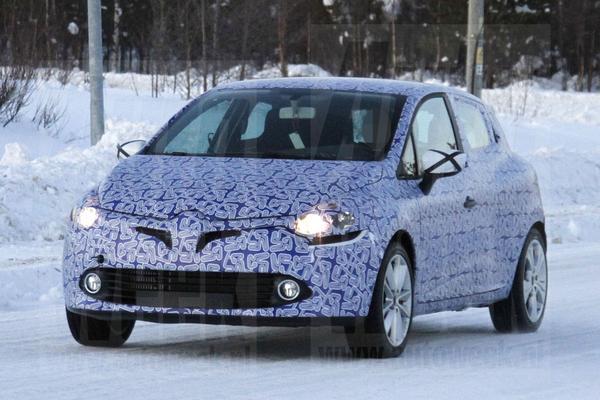 Renault Clio spyshots