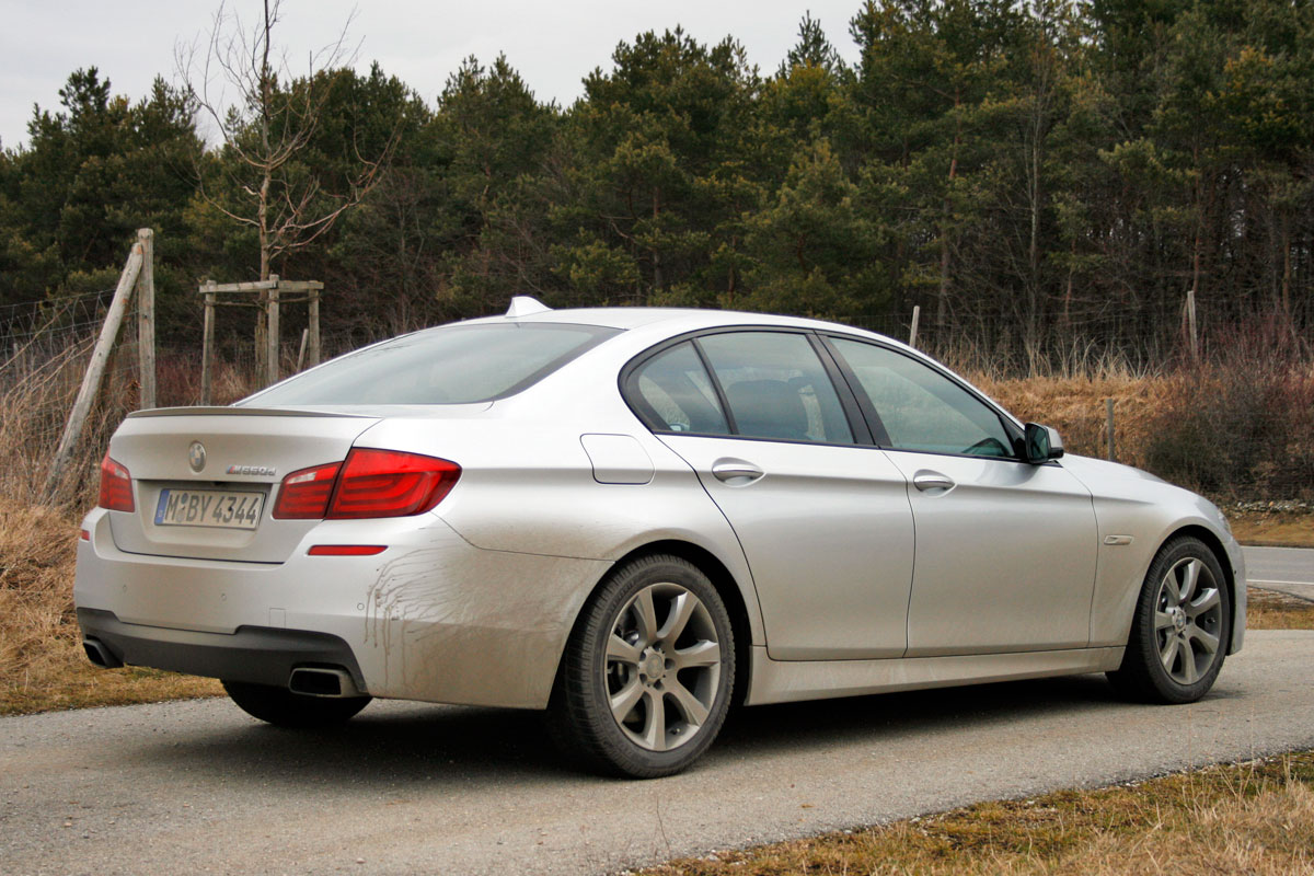bmw m550d xdrive rijimpressies. Black Bedroom Furniture Sets. Home Design Ideas