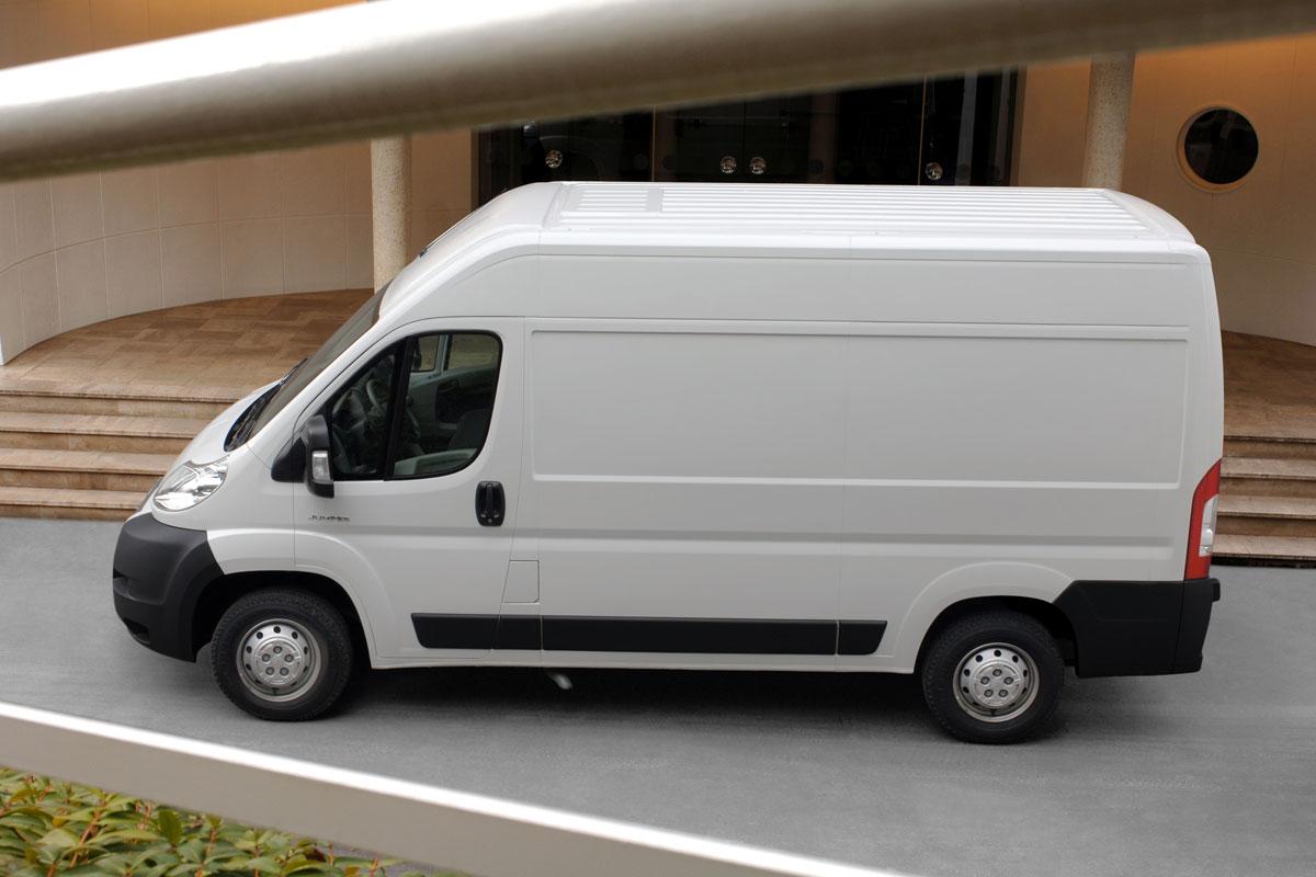 citroen jumper 30 l2h2 hdi 130 specificaties auto vergelijken. Black Bedroom Furniture Sets. Home Design Ideas