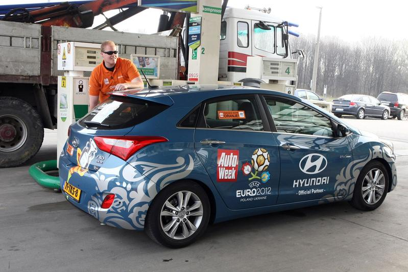 Charkov-expeditie Roland Tamling in Hyundai i30