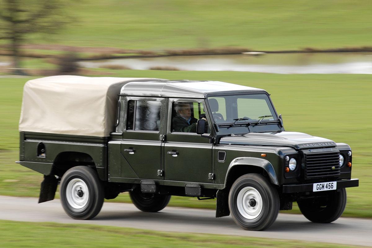 Land Rover Defender 130 2 2 Td Crew Cab Specificaties