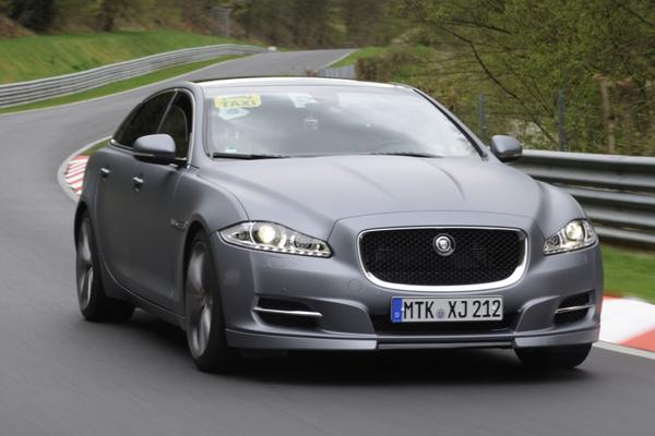 Jaguar XJ Sport and Speed taxi service