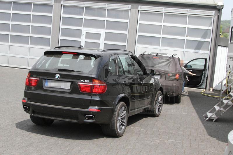 Honda 39 s luxemerk acura test met full size suv mdx for Honda full size suv