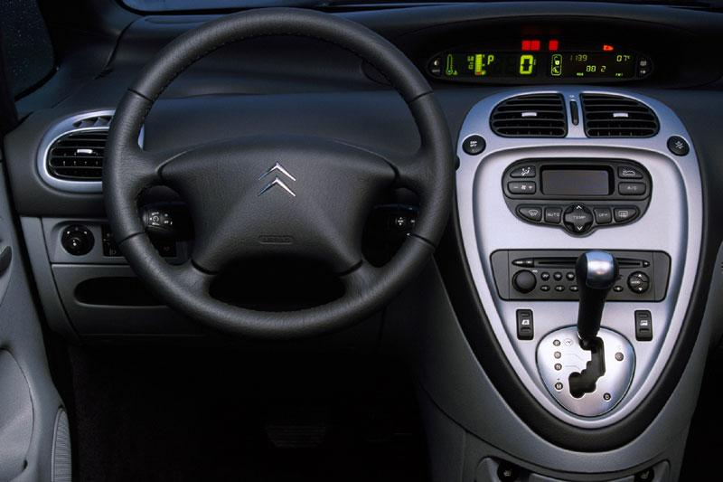 Citroen xsara picasso 16v specificaties auto for Interieur xsara picasso