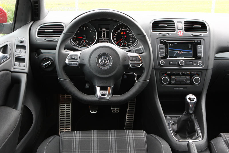 volkswagen golf gtd 2010 autotests. Black Bedroom Furniture Sets. Home Design Ideas