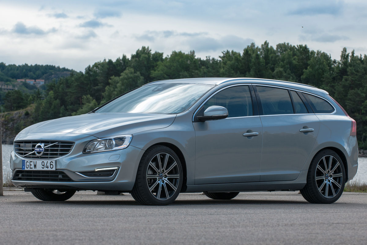 volvo v60 d4 summum 2014 gebruikerservaring autoreviews. Black Bedroom Furniture Sets. Home Design Ideas