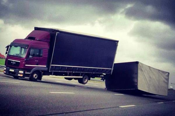 Lentestorm: nu al 15 gekantelde trucks