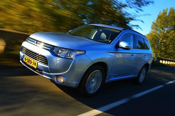 AutoWeek Top 50: Mitsubishi Outlander PHEV