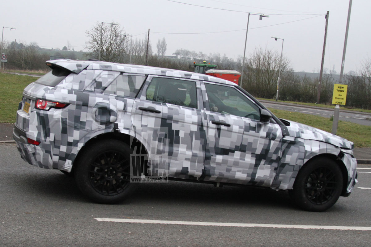 2016 - [Land Rover] Discovery V M1myif0brxxn