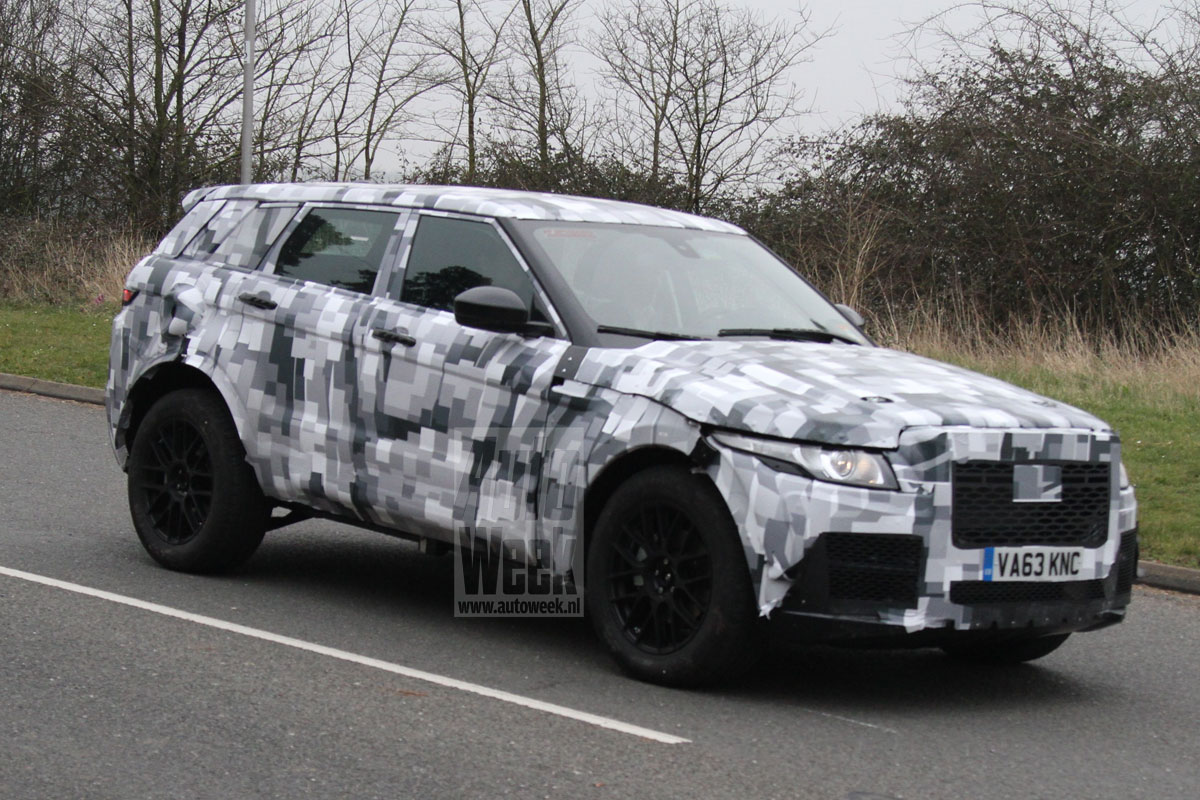 2016 - [Land Rover] Discovery V M1myif3b4rxl