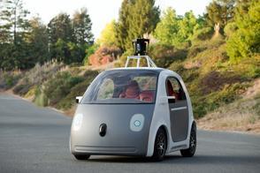 Zonder stuur en pedalen mag Google Car weg niet op