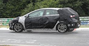 AutoWeek-lezer spot: Opel Astra en Audi RS3
