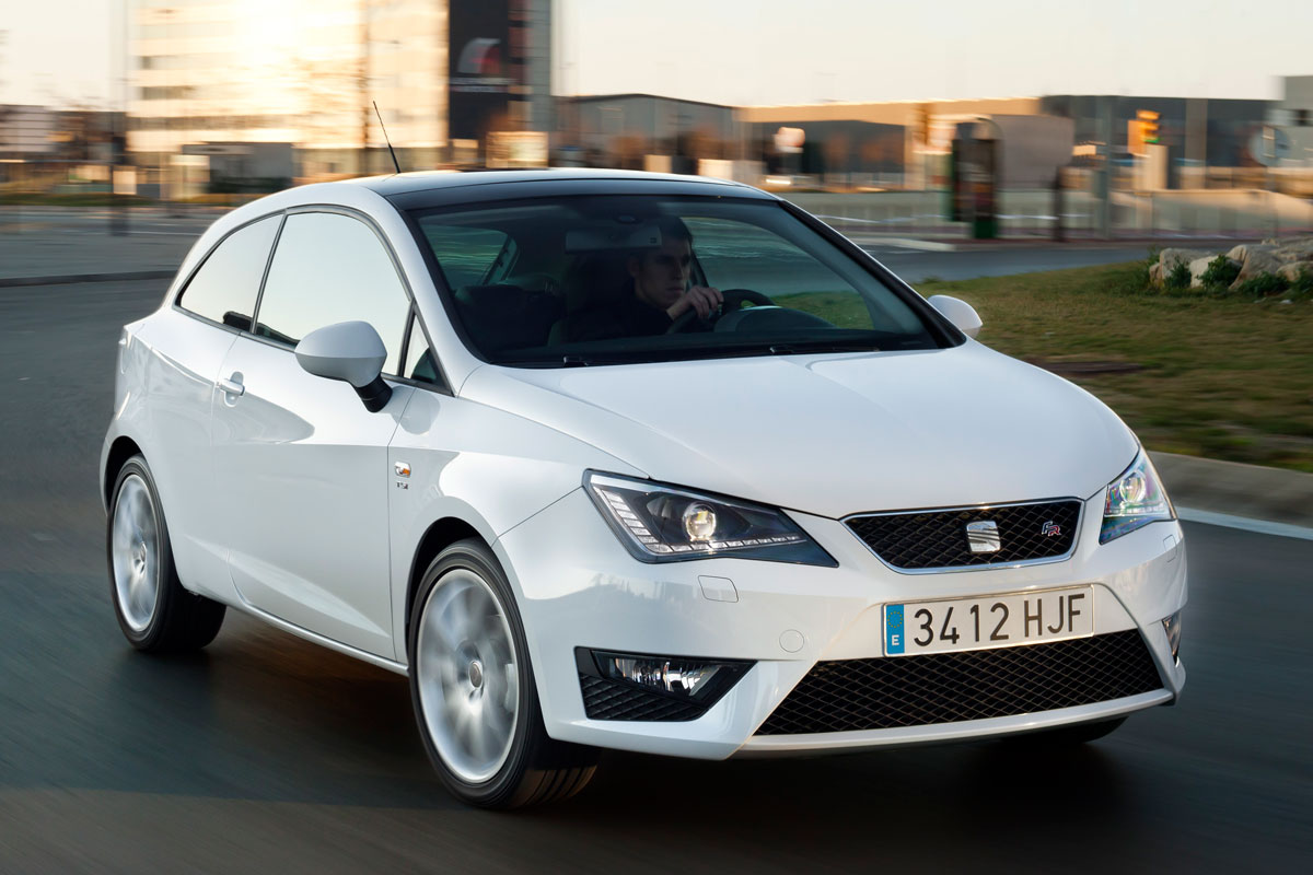 seat ibiza sc 1 2 tsi 105pk fr specificaties. Black Bedroom Furniture Sets. Home Design Ideas