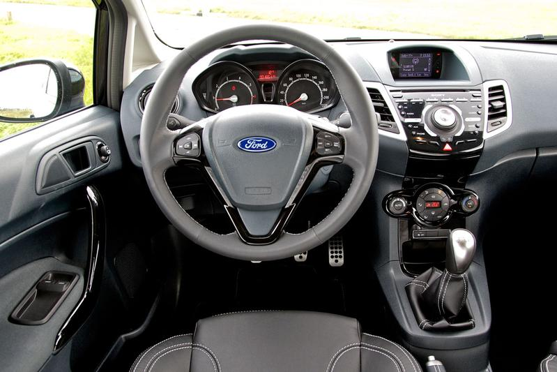 Ford fiesta 1 6 ti vtc metal 2012 autotests for Interieur ford fiesta
