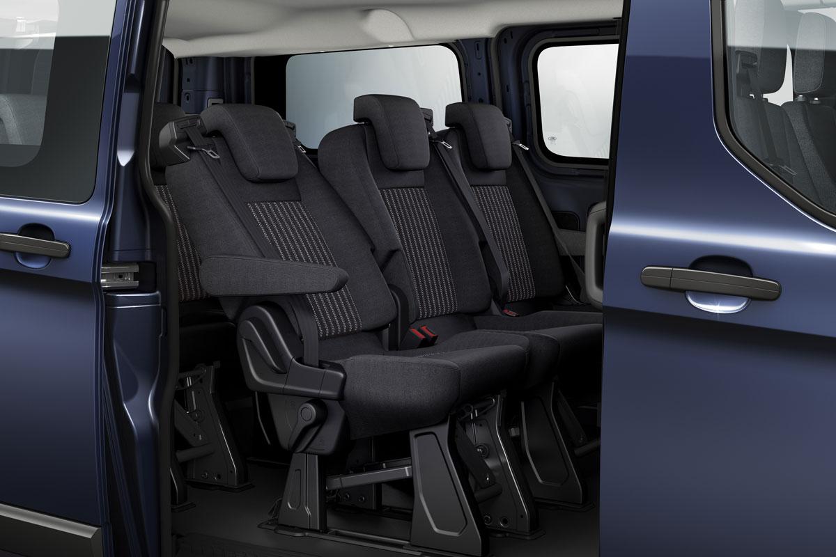 ford transit custom kombi l1h1 300 155pk ambiente specificaties auto vergelijken. Black Bedroom Furniture Sets. Home Design Ideas