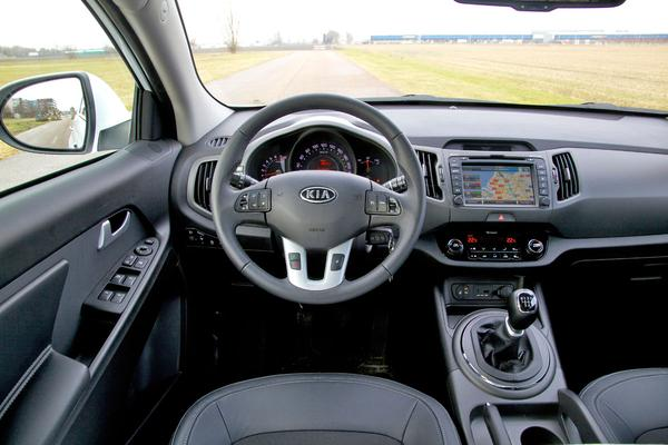 Autotest kia sportage 1 6 gdi plus pack for Interieur kia sportage
